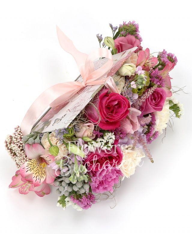 3 trandafiri cyclam, 5 garoafe crem, 3 garoafe cyclam, 2 alstroemeria roz, 3 lisianthus roz, 3 brunia, 2 mathiolla roz, astilbe roz, floare de orez, limonium roz, carte