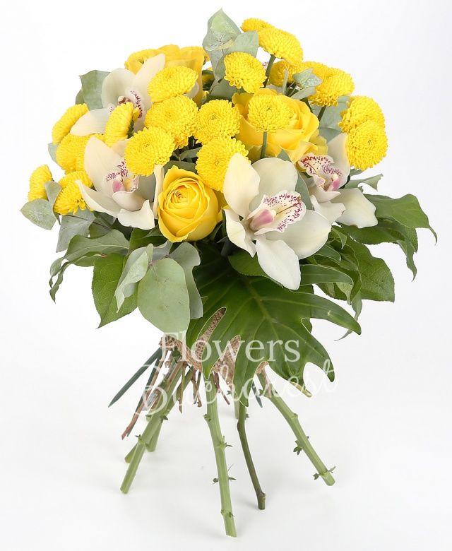 3 trandafiri galbeni, 4 santini galbeni, cymbidium alb, eucalypt, philodendron, salal