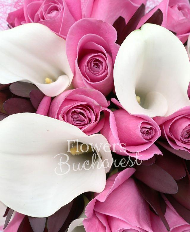 15 trandafiri cyclam, 7 cale albe, 10 leucadendron, salal