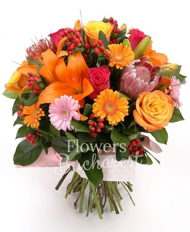 3 crini portocalii, 3 proteea, 5 trandafiri portocalii, 3 trandafiri cyclam, 3 gerbera roz, 5 gerbera portocalii, 3 leucospermum, 5 hypericum, salal