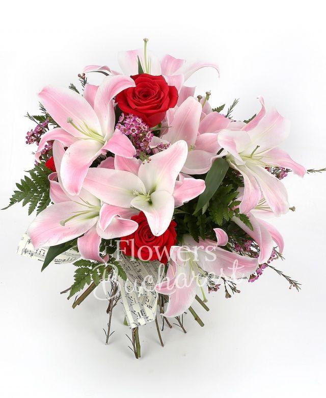 3 crini roz, 5 trandafiri rosii, waxflower roz