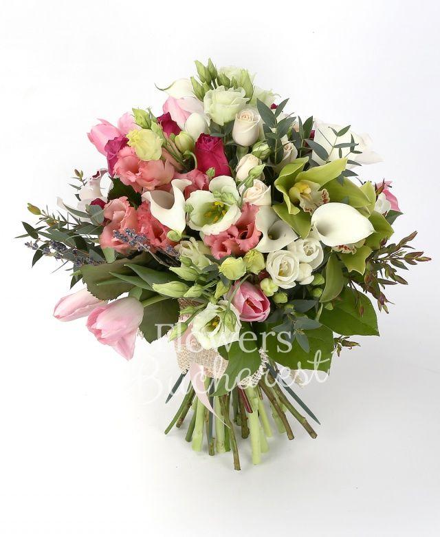 7 trandafiri cyclam, 3 lisianthus roz, 2 lisianthus mint, 7 cale albe, 9 lalele roz, 10 frezii albe, 3 miniroze crem, cymbidium verde, cymbidium alb, levănțica, eucalypt
