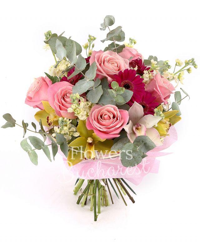 7 trandafiri roz, 10 matthiola crem, 5 gerbera cyclam, cymbidium alb, cymbidium verde, eucalypt, cuib