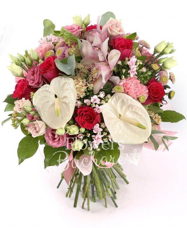 7 trandafiri rosii, 5 bouvardia roz, 5 garoafe roz, 5 lisianthus roz, 5 santini roz, 2 anthurium alb, cymbidium roz, asclepias, eucalypt, salal