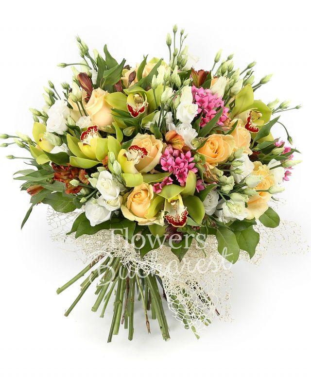 11 trandafiri banan, 5 bouvardia roz, 7 lisianthus alb, 5 alstroemeria grena, cymbidium verde, salal