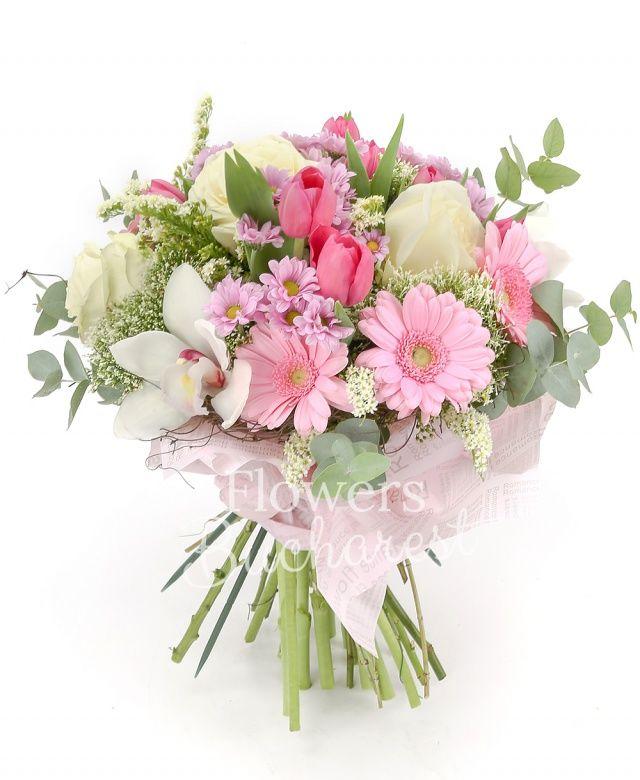 3 trandafiri albi, 5 gerbera roz, cymbidium alb, 10 lalele roz, 4 trachelium alb, 5 santini roz, 2 solidago, eucalypt, cuib