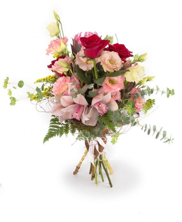 2 proteea, 3 trandafiri rosii, 5 lisianthus roz, cymbidium roz, 3 solidago, bupleurum, eucalypt, salal, cuib