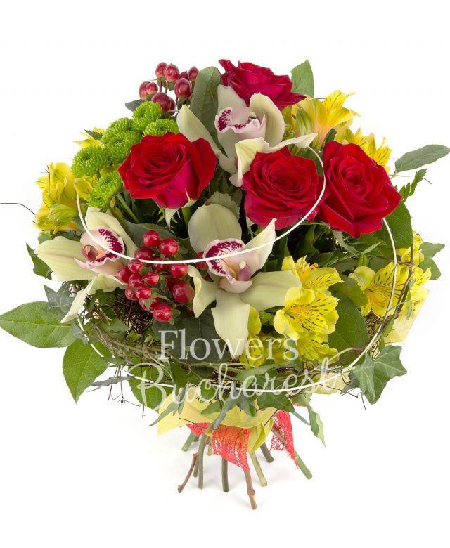 4 trandafiri rosii, 4 alstoemeria galbenă, 2 hypericum roșu, 2 santini verzi, cymbidium verde, salal, iedera, ferigă, cuib