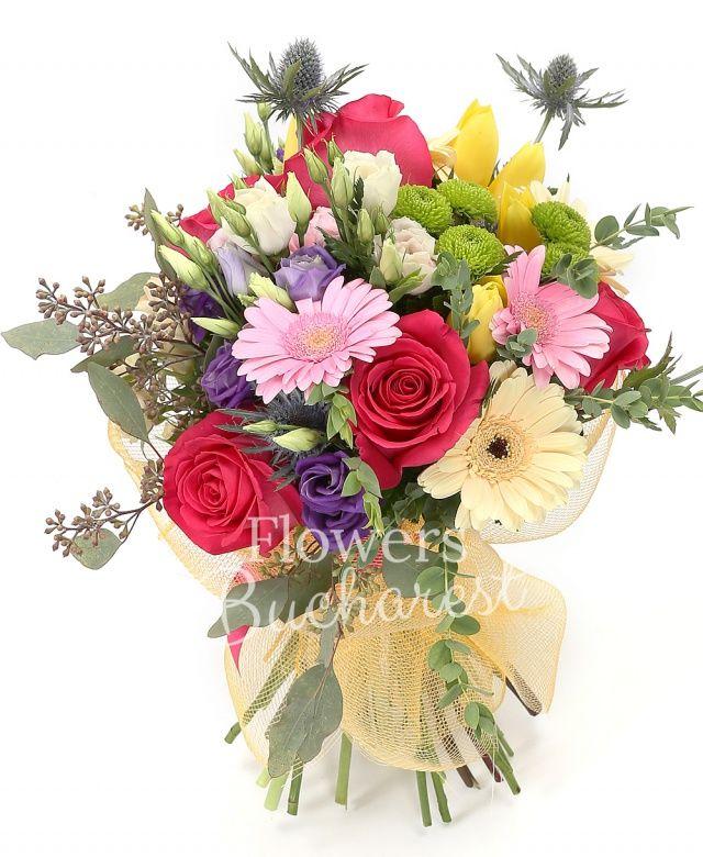 5 trandafiri cyclam, 3 lisianthus roz, 3 lisianthus mov, 5 lalele galbene, 2 eryngium, 3 gerbera crem, 2 gerbera roz, 3 miniroze crem, eucalypt