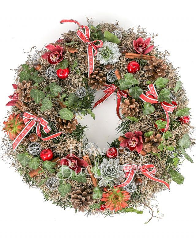 5 cupe cymbidium roz, 4 suculente, 6 conifere, 10 scorțișoară, 8 mere, 14 ghinde, 10 globulețe argintii, tillandsia, hedera, 6 fundițe, coronița brad