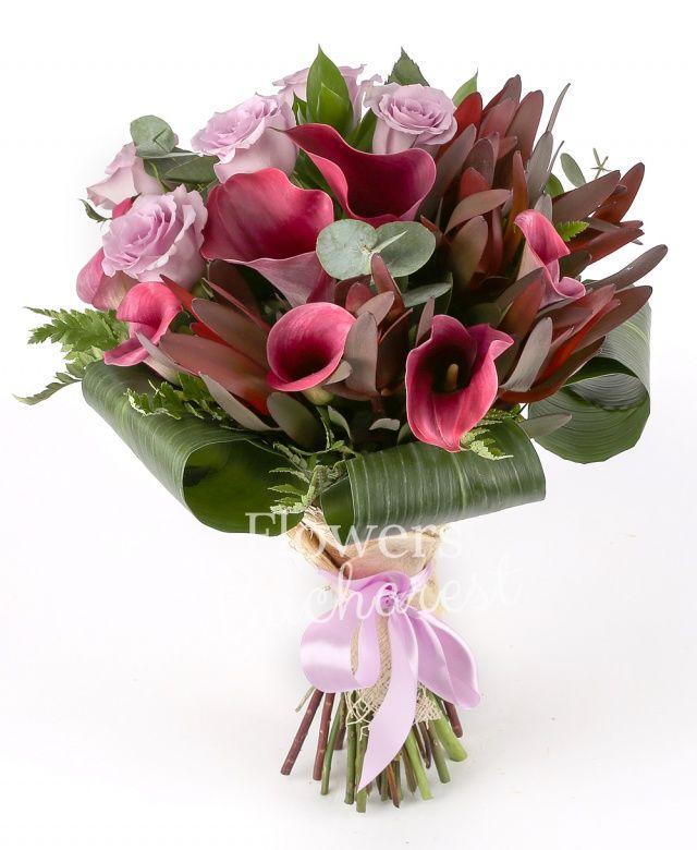 7 trandafiri mov, 7 cale cyclam, 7 leucadendron, ruscus, eucalypt, aspidistra