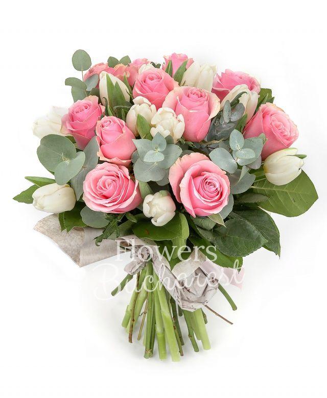 11 trandafiri roz, 10 lalele albe, eucalypt, salal